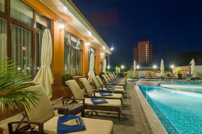 09 hotel saturn